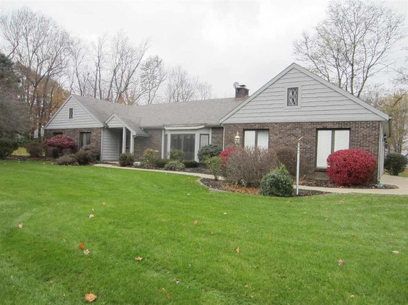 3 bed 3 bath Single Family at 1015 N Greenbriar Dr Columbia City, IN, 46725 is for sale at 235k - 1 of 19