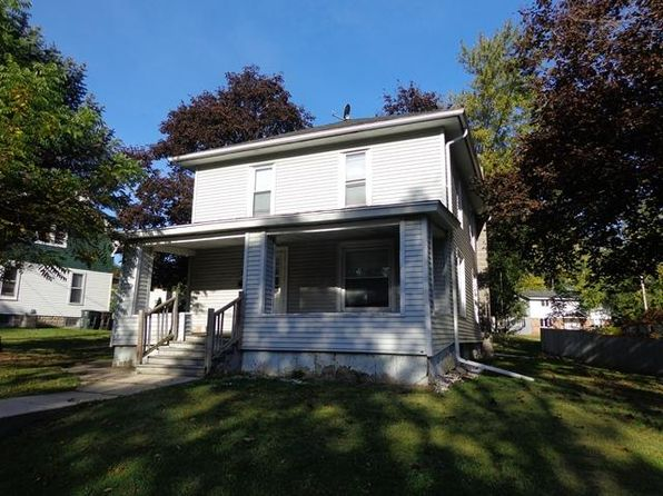 5 bed 2 bath Single Family at 412 S Janesville St Whitewater, WI, 53190 is for sale at 179k - google static map
