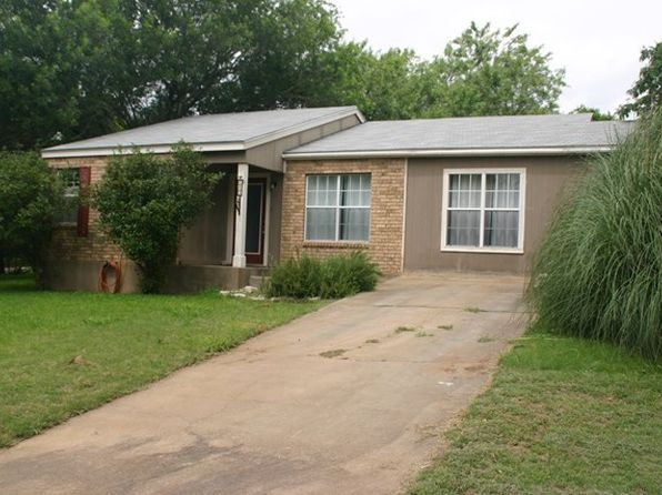 3 bed 2 bath Single Family at 243 NORTHWEST DR FREDERICKSBURG, TX, 78624 is for sale at 185k - 1 of 14
