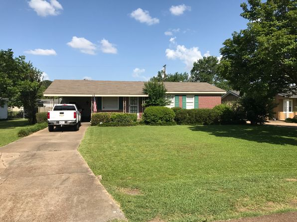 3 bed 2 bath Single Family at 402 Baird St Greenwood, MS, 38930 is for sale at 90k - 1 of 24