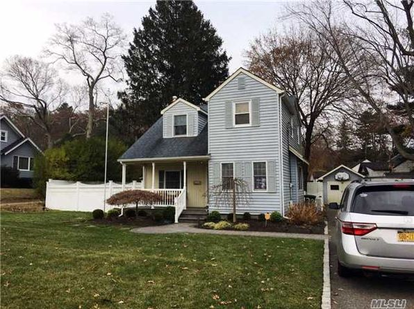 4 bed 2 bath Single Family at Undisclosed Address Ronkonkoma, NY, 11779 is for sale at 320k - google static map