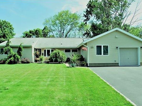 4 bed 2 bath Single Family at 209 Kendall Rd Kendall Park, NJ, 08824 is for sale at 375k - 1 of 22