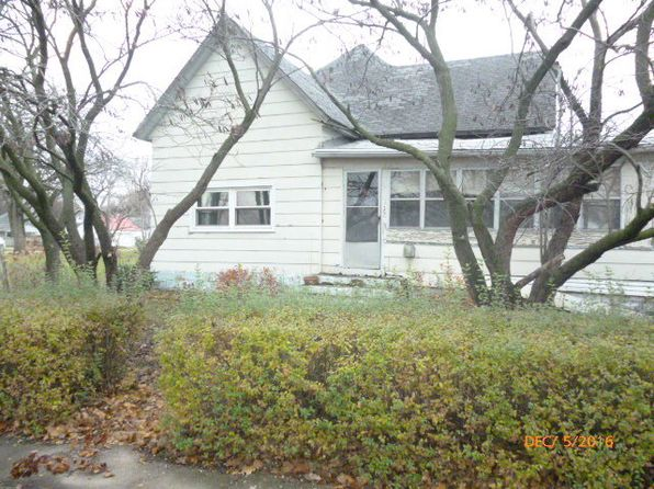 2 bed 2 bath Single Family at 5 S Richman St Villa Grove, IL, 61956 is for sale at 17k - 1 of 16