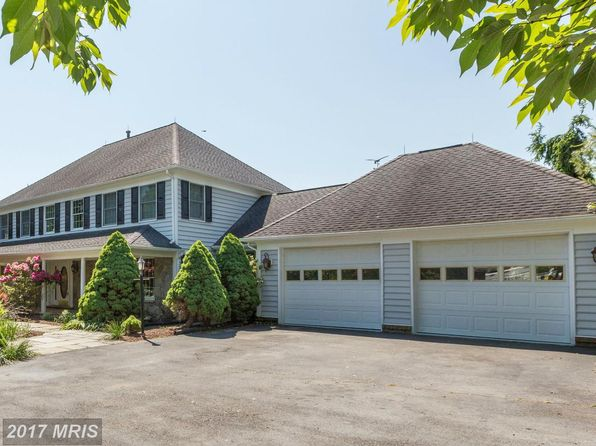 5 bed 4 bath Single Family at 12640 High Meadow Rd North Potomac, MD, 20878 is for sale at 895k - 1 of 30