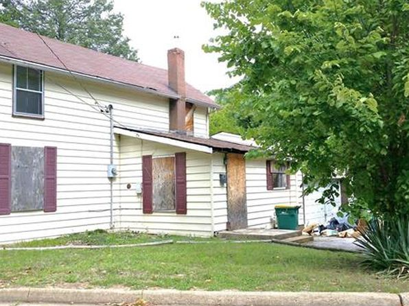 3 bed 2 bath Single Family at 2725 SOLWAY AVE SAINT LOUIS, MO, 63136 is for sale at 19k - 1 of 16