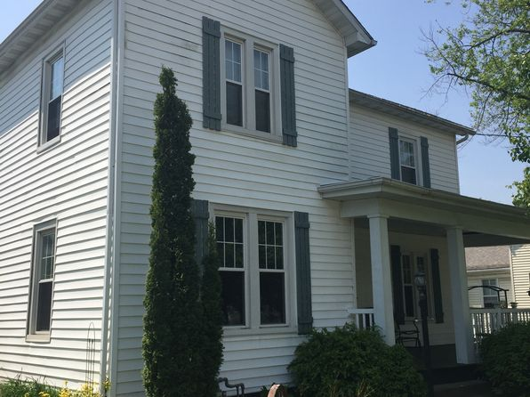3 bed 2 bath Single Family at 204 Walnut St Washington, IL, 61571 is for sale at 135k - 1 of 27