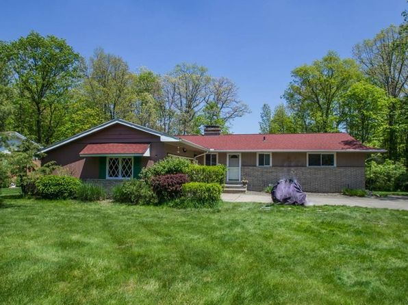 4 bed 3 bath Single Family at 7660 Winding Way Brecksville, OH, 44141 is for sale at 250k - 1 of 34
