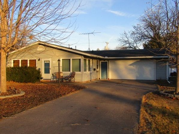 3 bed 1 bath Single Family at 1225 N 4th St Clinton, IA, 52732 is for sale at 115k - 1 of 14