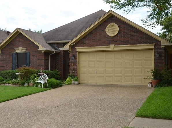 3 bed 2 bath Single Family at 940 Freshwood Ct Arlington, TX, 76017 is for sale at 185k - 1 of 13