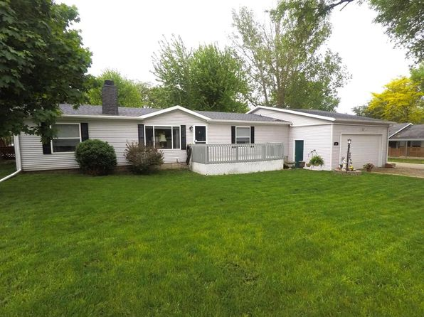 3 bed 2 bath Single Family at 521 S Okoboji Grove Rd Arnolds Park, IA, 51331 is for sale at 170k - 1 of 24