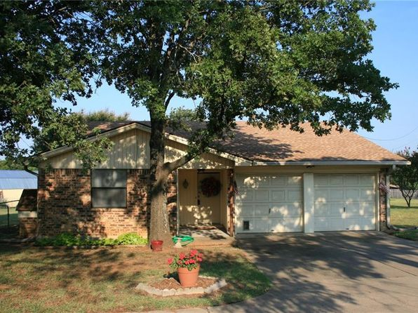 3 bed 2 bath Single Family at 605 Forrest Ln Joshua, TX, 76058 is for sale at 170k - 1 of 17