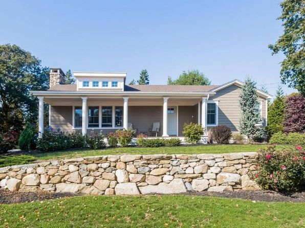 3 bed 2 bath Single Family at 68 Lakewood Dr Narragansett, RI, 02882 is for sale at 625k - 1 of 30