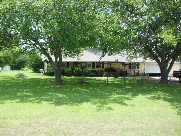 2 bed 1 bath Single Family at 3672 S Fm 271 Bonham, TX, 75418 is for sale at 95k - 1 of 21