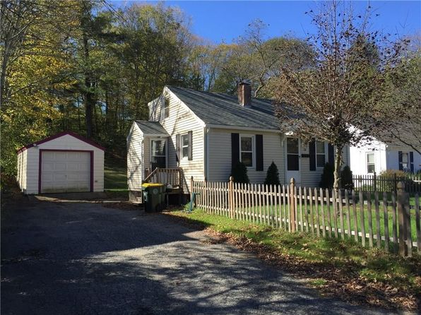 2 bed 1 bath Single Family at 34 Farnum Pike Smithfield, RI, 02917 is for sale at 170k - 1 of 5