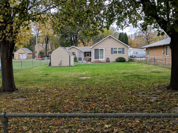2 bed 1 bath Single Family at 515 1/2 Picotte St Yankton, SD, 57078 is for sale at 80k - 1 of 11