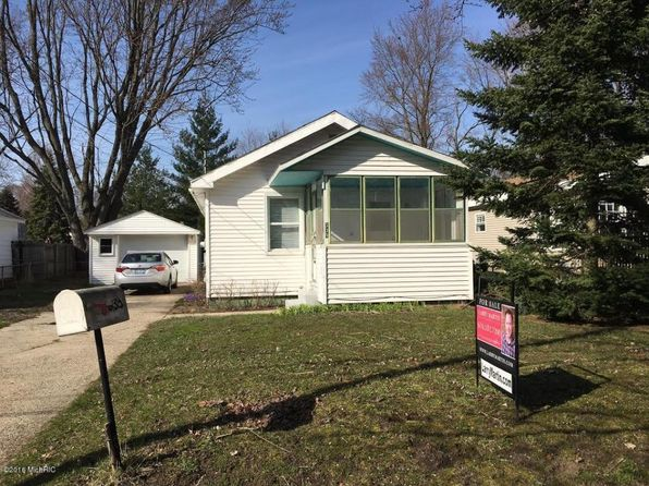 2 bed 1 bath Single Family at 335 43rd St SE Kentwood, MI, 49548 is for sale at 80k - 1 of 3