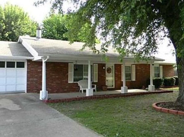 3 bed 2 bath Single Family at 806 PRAIRIE OAKS DR PRAIRIE GROVE, AR, 72753 is for sale at 200k - google static map