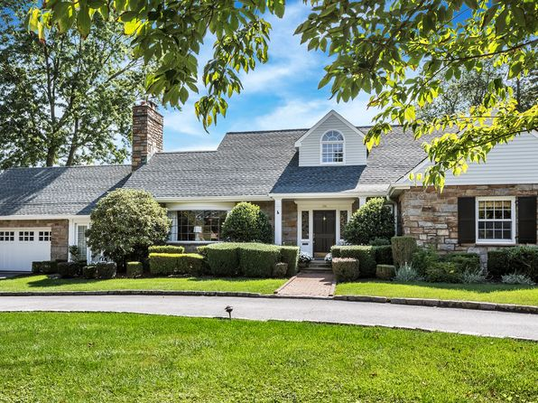 4 bed 4 bath Single Family at 356 Pondfield Rd Bronxville, NY, 10708 is for sale at 1.90m - 1 of 26