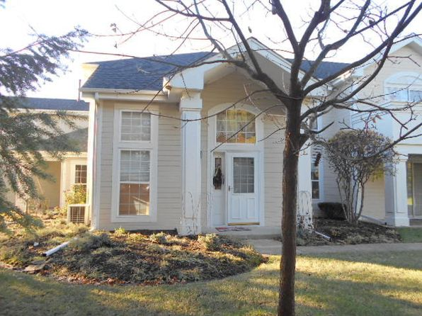 2 bed 2 bath Townhouse at 1324 Spencer Ln Batavia, IL, 60510 is for sale at 210k - 1 of 31