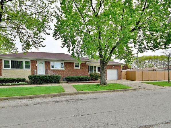 2 bed 2 bath Single Family at 4958 N Newcastle Ave Chicago, IL, 60656 is for sale at 350k - 1 of 29