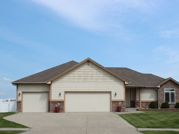 4 bed 3 bath Single Family at 4125 139th St Urbandale, IA, 50323 is for sale at 395k - 1 of 36