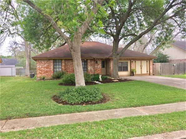 3 bed 2 bath Single Family at 114 Cottonwood St Lake Jackson, TX, 77566 is for sale at 160k - 1 of 15