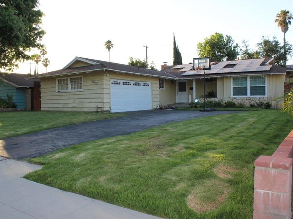 3 bed 2 bath Single Family at 19419 Bryant St Northridge, CA, 91324 is for sale at 630k - 1 of 52