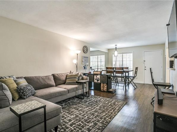 1 bed 1 bath Condo at 5018 Les Chateaux Dr Dallas, TX, 75235 is for sale at 136k - 1 of 14