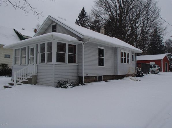 2 bed 1 bath Single Family at 247 Hunter St Battle Creek, MI, 49017 is for sale at 65k - 1 of 24