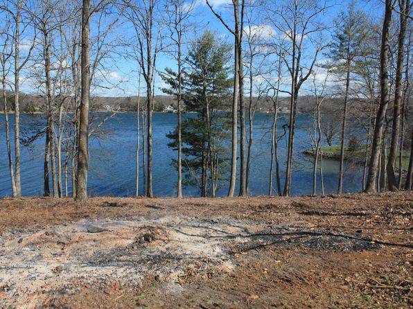 null bed null bath Vacant Land at 435 Oak Point Dr Moneta, VA, 24121 is for sale at 449k - 1 of 7