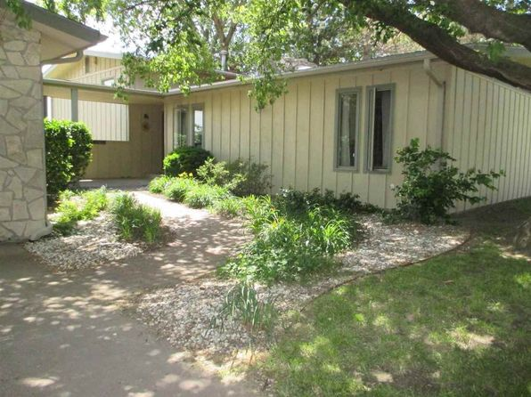 4 bed 3 bath Single Family at 1417 Cresthill Dr Junction City, KS, 66441 is for sale at 182k - 1 of 35