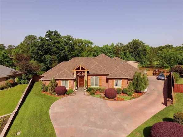 4 bed 4 bath Single Family at 1703 Oakmont Cir Longview, TX, 75605 is for sale at 499k - 1 of 23