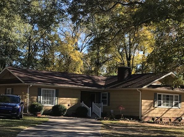 3 bed 2 bath Single Family at 102 Hillcrest Dr Greenwood, SC, 29646 is for sale at 130k - 1 of 34