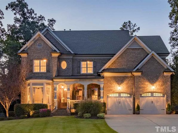4 bed 5 bath Single Family at 8000 Churchill Falls Pl Apex, NC, 27539 is for sale at 675k - 1 of 25