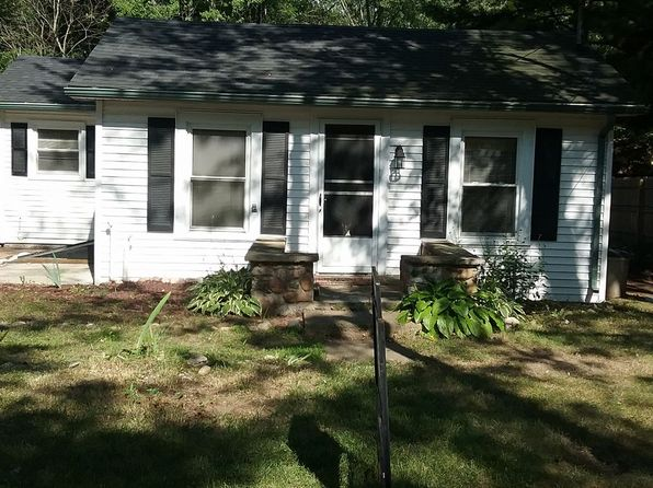 2 bed 1 bath Single Family at 128 Charles St Colon, MI, 49040 is for sale at 40k - google static map