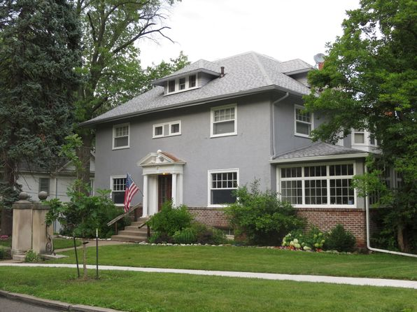 5 bed 4 bath Single Family at 17 Oak Ln Davenport, IA, 52803 is for sale at 275k - 1 of 18