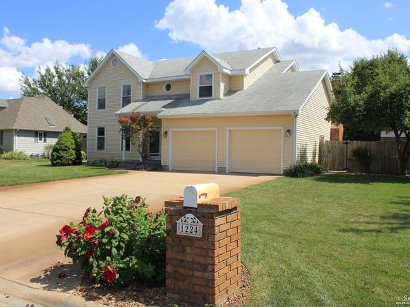 4 bed 3 bath Single Family at 1224 Fredrich Dr Salina, KS, 67401 is for sale at 235k - 1 of 36