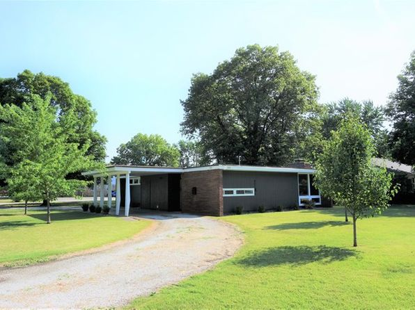 2 bed 1 bath Single Family at 800 E Scott St Tuscola, IL, 61953 is for sale at 83k - 1 of 22