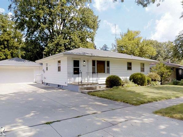 3 bed 2 bath Single Family at 304 E Cypress St Normal, IL, 61761 is for sale at 136k - 1 of 27