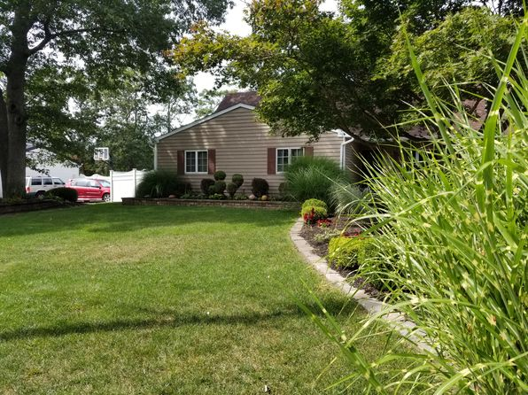 5 bed 3 bath Miscellaneous at 6 Hartwell Dr Mount Sinai, NY, 11766 is for sale at 439k - 1 of 8