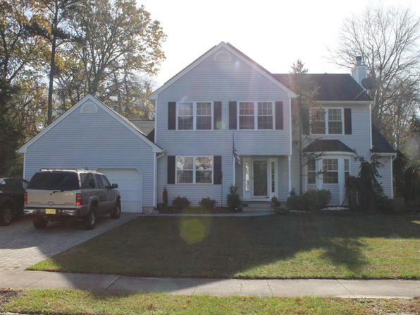 4 bed 3 bath Single Family at 17 Mimosa Ct Jackson, NJ, 08527 is for sale at 450k - 1 of 26