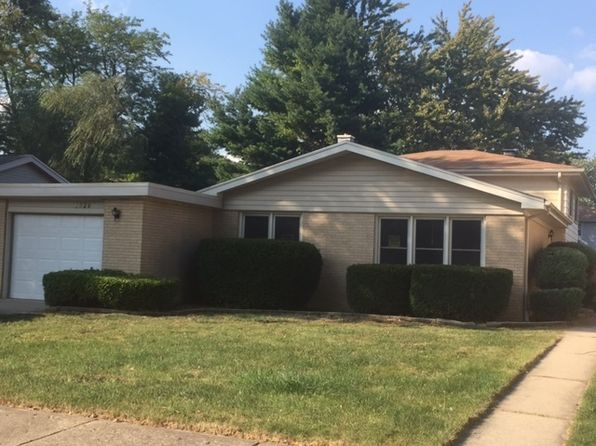 3 bed 2 bath Single Family at 1926 Arthur Dr Waukegan, IL, 60087 is for sale at 140k - 1 of 9