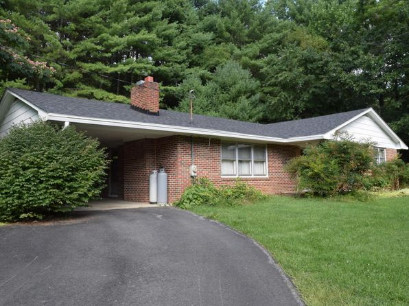 3 bed 1 bath Single Family at 2372 Webbs Mill Rd N Floyd, VA, 24091 is for sale at 129k - 1 of 32