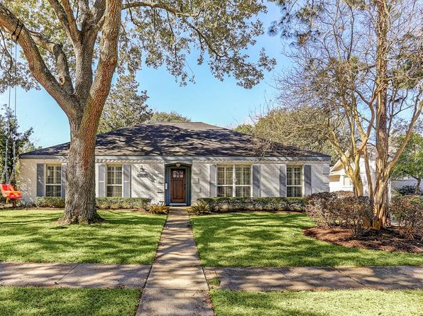 3 bed 2 bath Single Family at 10810 Atwell Dr Houston, TX, 77096 is for sale at 350k - 1 of 18
