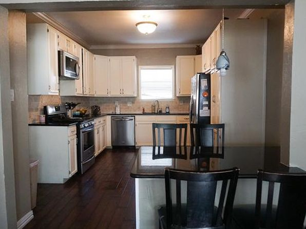 3 bed 1 bath Single Family at 610 S Main St Lockhart, TX, 78644 is for sale at 195k - 1 of 21