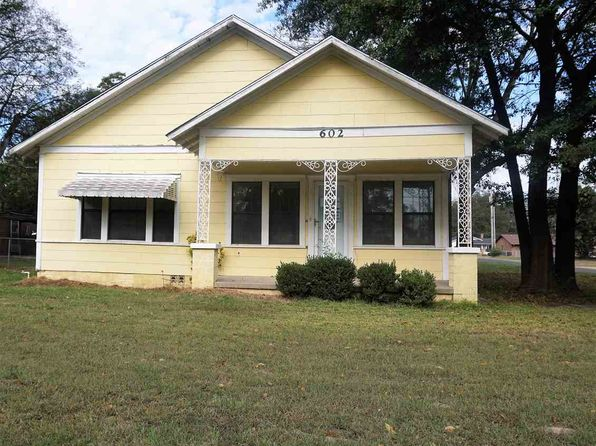 4 bed 3 bath Single Family at 602 McKinney St De Kalb, TX, 75559 is for sale at 80k - 1 of 19