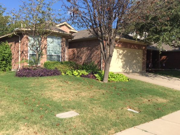 3 bed 2 bath Single Family at 5049 Bedfordshire Dr Fort Worth, TX, 76135 is for sale at 165k - 1 of 10