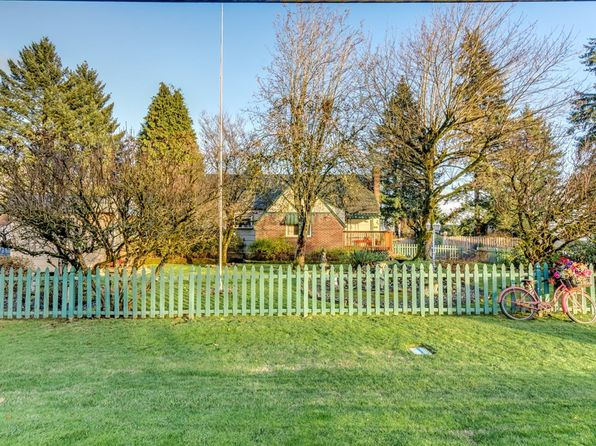 3 bed 3 bath Single Family at 2108 NE Everett St Camas, WA, 98607 is for sale at 450k - google static map