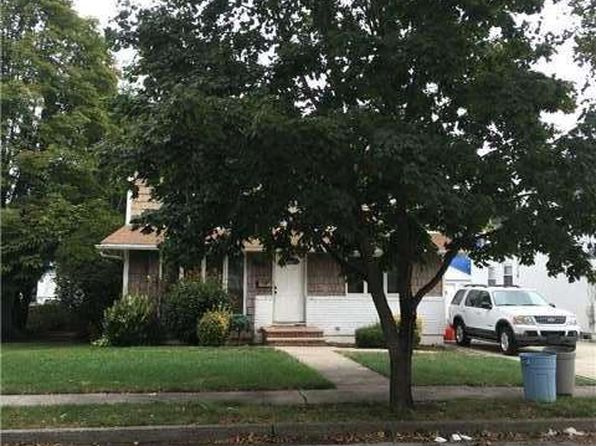 3 bed 1 bath Single Family at Undisclosed Address Elmont, NY, 11003 is for sale at 399k - google static map