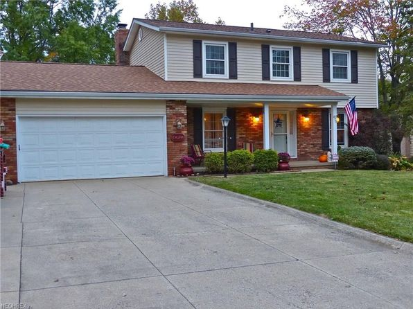 3 bed 3 bath Single Family at 425 Wyoga Lake Blvd Stow, OH, 44224 is for sale at 230k - 1 of 35